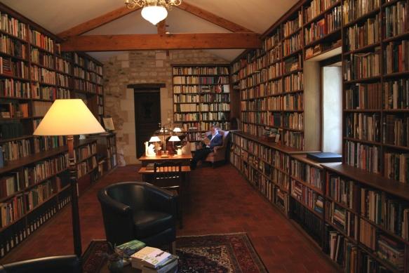 alberto-manguel-library-2
