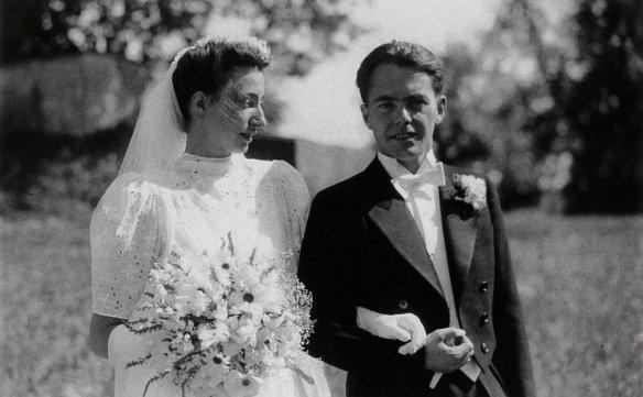 On July 30, 1942, Max Frisch marries his former classmate Trudy Constanze von Meyenburg.
